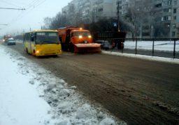 """Техніка КП """"ЧЕЛУАШ"""" прибирає сніг з черкаських доріг"""