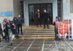Активісти Нацкорпусу обуренні відводом суддів у справі Сергієнка