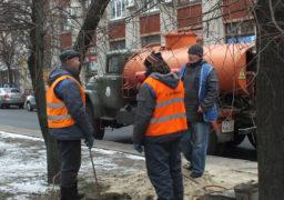 У середмісті Черкас лагодять каналізаційну мережу