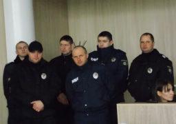 Як в аеропорту: поліція ретельно перевіряла черкащан на порозі сесійної зали