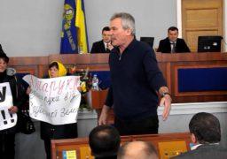 Депутат Булатецький вимагає відставки Президента України