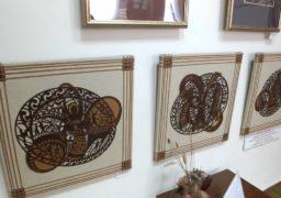 В Обласній бібліотеці для юнацтва представлена виставка робіт студентів ЧНУ