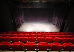Зухвале кінопіратство в Черкасах залишається безкарним