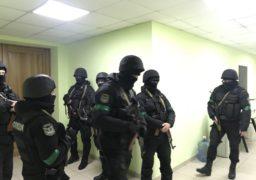 Спецпризначенці вдерлися у головну базу Нацкорпусу. Є постраждалі