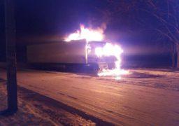 У Черкасах просто неба згоріла вантажівка