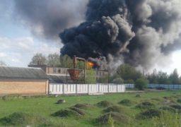 У черкаській промзоні масштабна пожежа