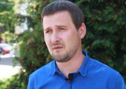 Олексій Романов вважає що на ситуацію в місті бажають впливати партії за якими стоїть Бродський та президент