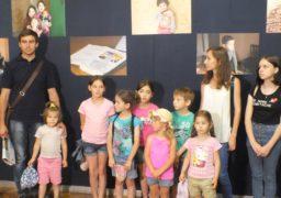 «Хочу до мами»: у Черкасах презентували унікальний фотопроект