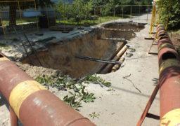 На одній з черкаських вулиць ремонтують тепломережу