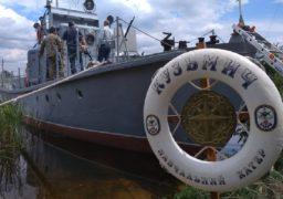 У Черкасах юні моряки вивчають судноплавство на унікальному катері