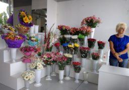 Черкаські квіткарі святкують входини на бульварі