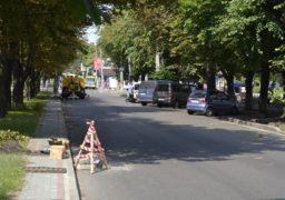 Черкаські комунальники встановлюють нову зливову каналізацію