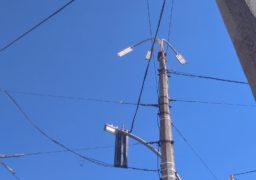 У середмісті Черкас лагодять вуличне освітлення