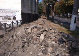 На бульварі Шевченка облаштовують тротуар