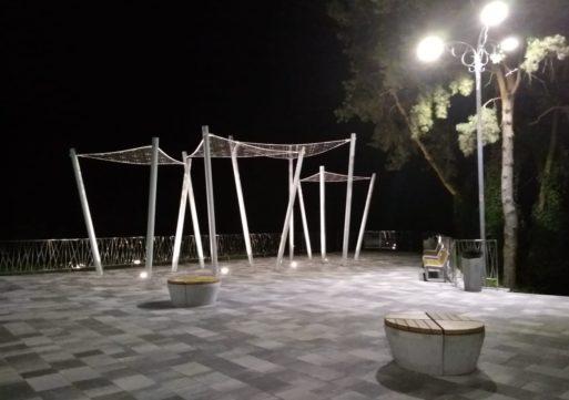У черкаському парку реконструювали оглядовий майданчик
