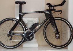 Черкащанину подарували велосипед для Invictus Games
