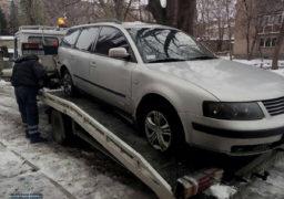 Поліція розшукує водія автівки на єврономерах, який спричинив ДТП і втік із місця пригоди