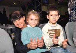 Черкаські поліцейські влаштували сюрприз для дітлахів