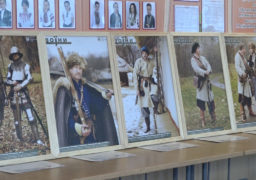 Виставку «Воїни» презентували школярам Балаклеї