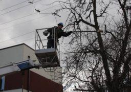 Черкаський міський РЕМ проводить планове очищення повітряних ліній електромереж