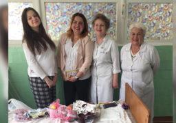 З нагоди Дня матері у Смілі привітали молодих мам у пологовому відділенні