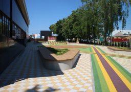 Біля колишнього «Будинку меблів» з'явиться кольоровий майданчик