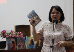 В Черкаси завітала письменниця Оксана Кузів