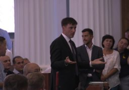"""Зеленський """"дав на горіхи"""" чиновникам Черкаської ОДА за """"списочний"""" пропускний режим"""