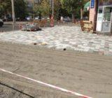 Тривають роботи по облаштуваню тротуару в центрі міста біля ЦНТІ