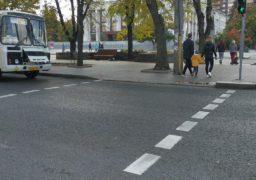 Світлофори на розі бульвару та Дашковича потребують налаштування