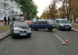 Одразу три автівки зіткнулися на бульварі Шевченка між вулицями Пастерівською та Гуржіївською