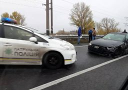 На дамбі сталося ДТП за участі трьох автомобілів з вини п'яного водія Audi