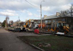 На вулиці Новопречистенській  ліквідують порив труби