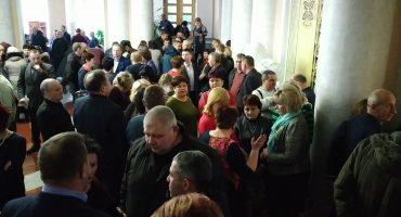 Між владою та ОТГ області зріє конфлікт: люди готові до протестних акцій