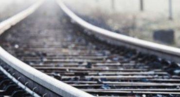 У Черкасах жінка, ймовірно, під впливом наркотичних речовин, потрапила під поїзд