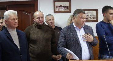 Позачергова сесія Черкаської міськради – Єлетротрансу знизили фінансову підтримку та пересварилися