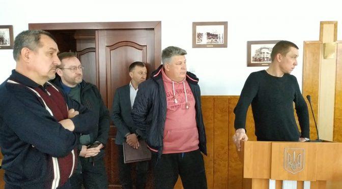 На засіданні міськвиконкому волонтери влаштували гармидер