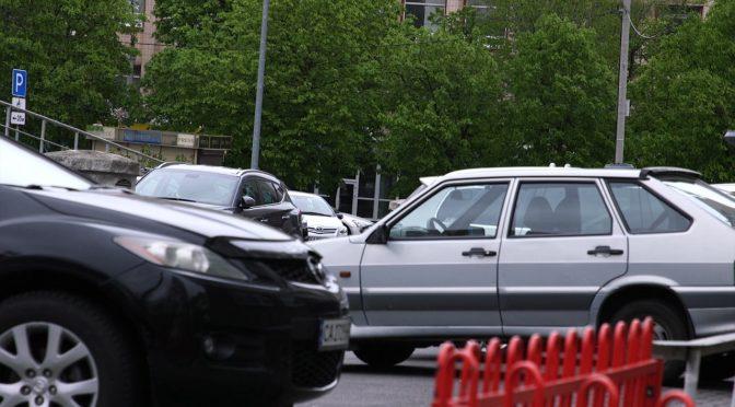 Черкащани почали масово ігнорувати карантин: на вулиці повертаються автівки