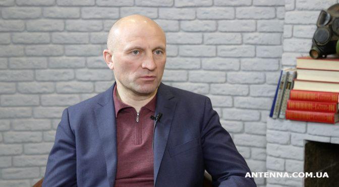 Бондаренко показав, як уперше за 50 років ремонтують вулицю Вишневецького вздовж військової частини в Черкасах