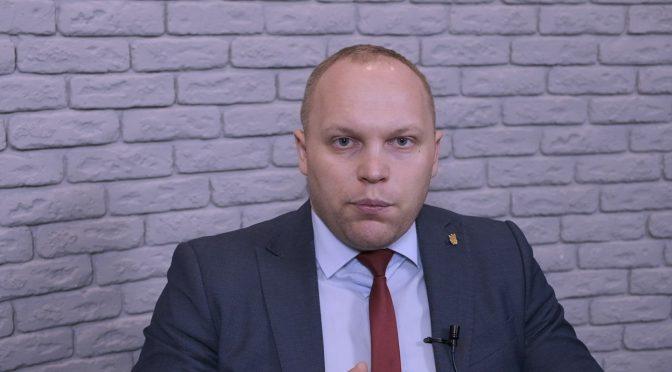 Живий ефір: Сергій Воронов, директор департаменту освіти та гуманітарної політики ЧМР