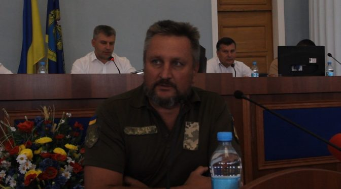 Учасники АТО виступили на сесії Черкаської обласної ради з проханням вплинути на земельне питання, бо замість них першочергово землю отримують наближені до влади люди.