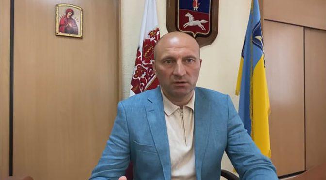 Анатолій Бондаренко вважає кошторис на ремонт площі поруч із драмтеатром завищеним