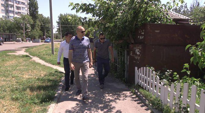Припортовий мікрорайон: Бондаренко планує ремонти міждворових проїздів та тротуарів