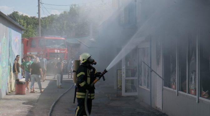 У Каневі на території міського ринку шашличники спалили 5 торгових павільйонів