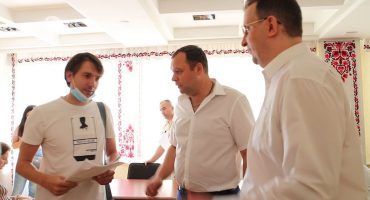 Представники черкаських ОСББ прийшли на засідання виконкому вимагати виплати 9,6 млн грн за програмою співфінансування