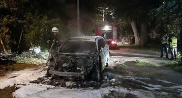 Вночі у Черкасах горів автомобіль Renault