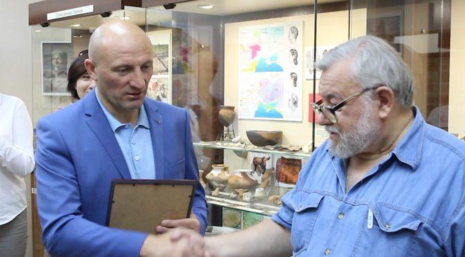 Міський голова привітав Черкаський археологічний музей із професійним святом