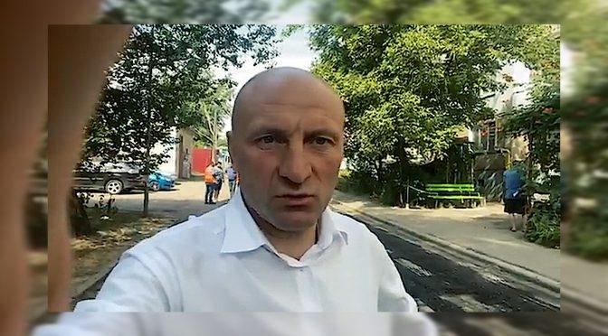 Бондаренко відвідав вул. Сумгаїтську, де ремонтують міжквартальний проїзд до алеї Путейка
