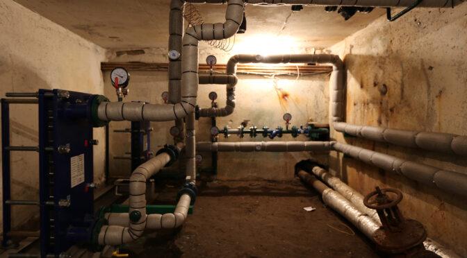 «Півтора року були без гарячої води», — у двох багатоквартирках встановили нові бойлери
