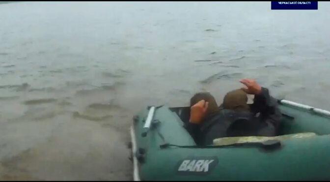 Черкащанин врятував рибалку, який випав із човна і мало не потонув